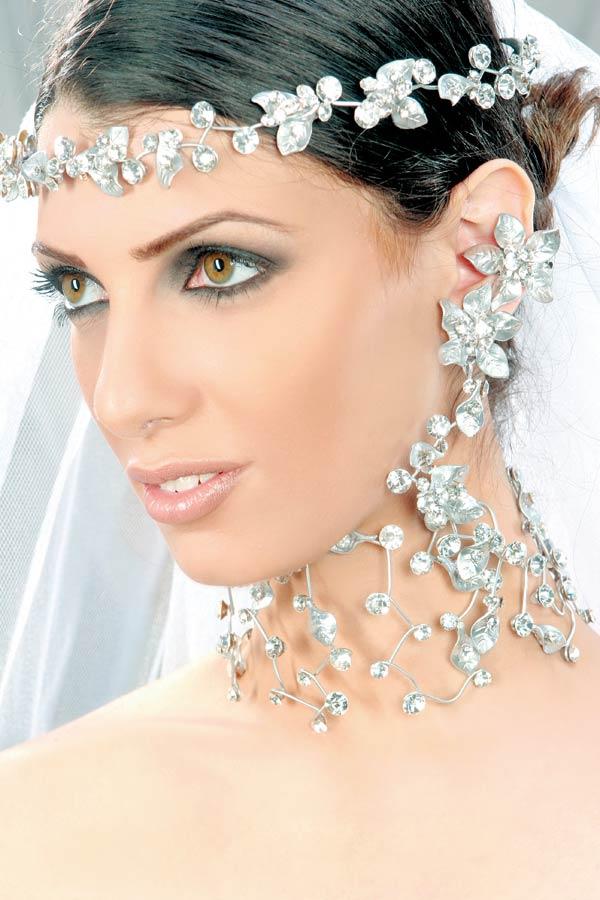 أكسسوارات للعرائس بس hwaml.com_1285793509_656.jpg