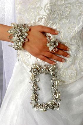 أكسسوارات للعرائس بس hwaml.com_1285793513_327.jpg