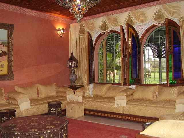 الصالون المغربي ( ديكورات مميزة ) hwaml.com_1287097858