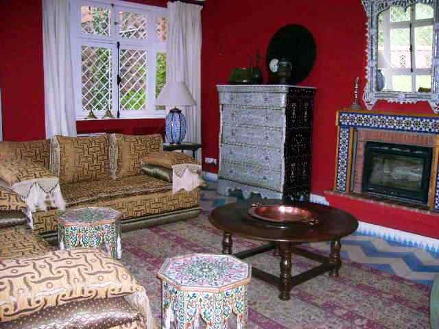 الصالون المغربي ( ديكورات مميزة ) hwaml.com_1287097867
