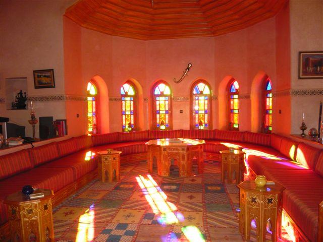 الصالون المغربي ( ديكورات مميزة ) hwaml.com_1287097870