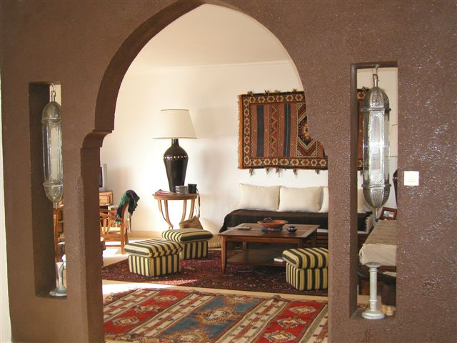 الصالون المغربي ( ديكورات مميزة ) hwaml.com_1287097876