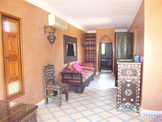 الصالون المغربي ( ديكورات مميزة ) hwaml.com_1287097880