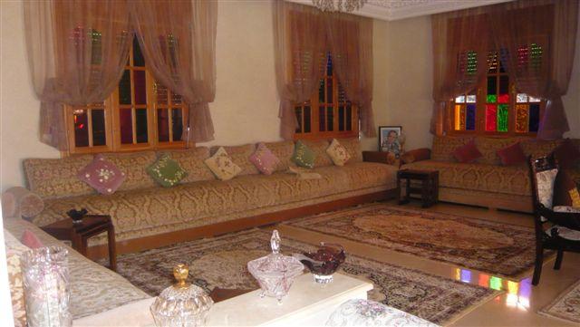 الصالون المغربي ( ديكورات مميزة ) hwaml.com_1287097889