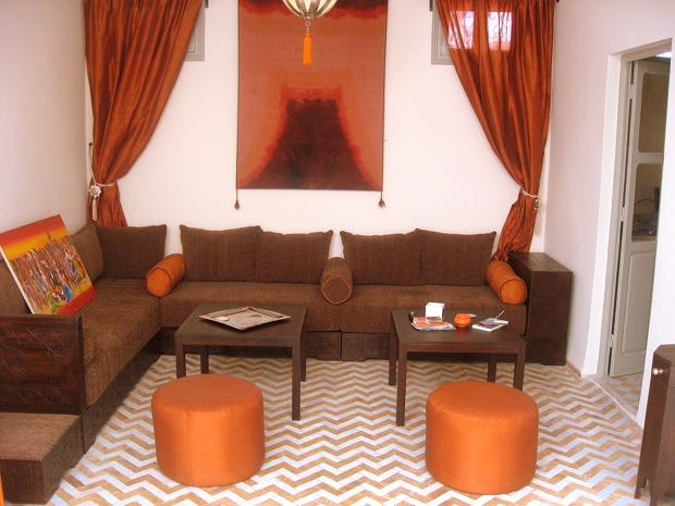 الصالون المغربي ( ديكورات مميزة ) hwaml.com_1287097904