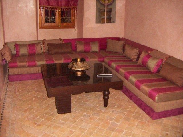 الصالون المغربي ( ديكورات مميزة ) hwaml.com_1287097917
