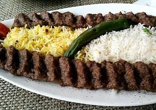كباب كوبيده على الطريقة الايرانية hwaml.com_1296911464_663.jpg