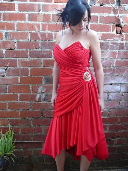 تشكيلة متنوعة من الفاساتين الحمراء Hwaml.com_1298189164_921
