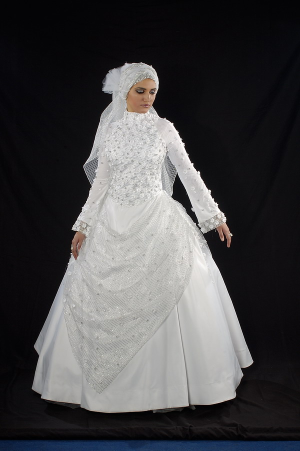 فساتين زفاف 2012 hwaml.com_1309970736_612.jpg