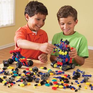 فوائد اللعب الاطفال hwaml.com_1311452515_325.jpg