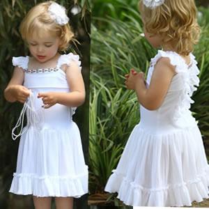 فساتين بتشكيلاتها الرائعة للأطفال hwaml.com_1327448855_572.jpg