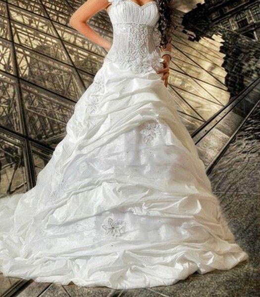 مجموعة فساتين أعراس روووووووووووووووووووووووع ة hwaml.com_1332507252