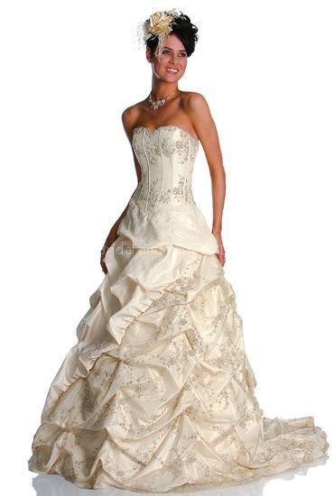 فساتين عرائس 2017 فساتين زواجات hwaml.com_1336389679