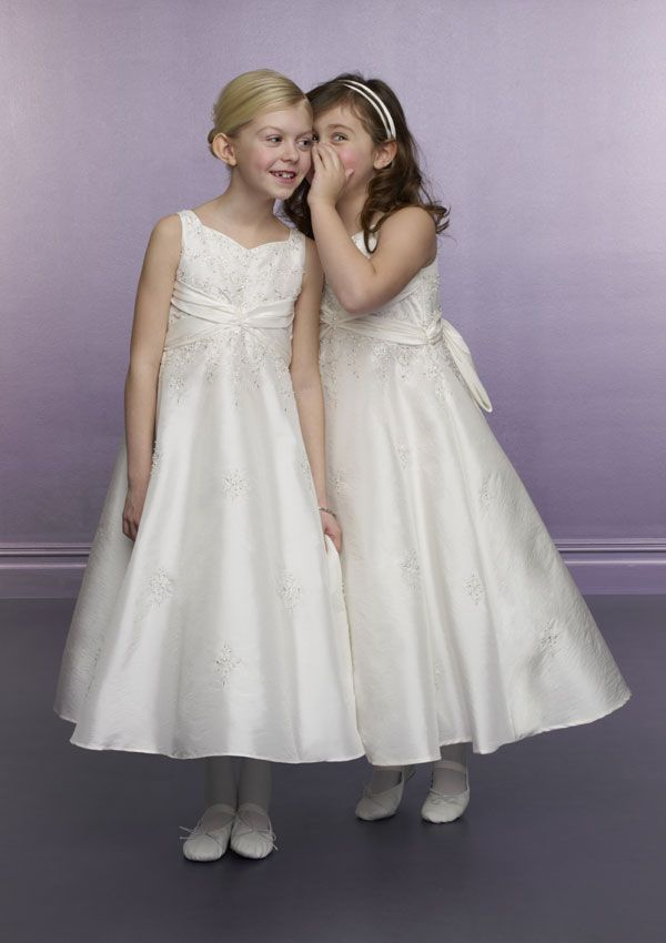 فساتين اعراس للبنوتات 2021 ، فساتين سهرات للبنوتات الصغار 2021 ، اشيك الفساتين 2021