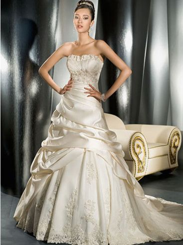 5f02160db0ba2 فساتين اوف وايت للسهره للزفاف 2012 ، فساتين زفاف تجنن ، احلى موضة فساتين  زفاف 2013