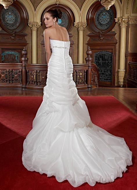 فساتين مودرن فساتين زفاف متميزة