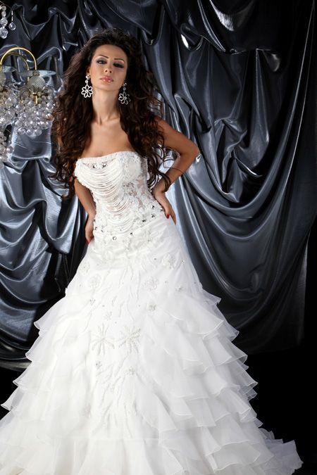 07825bbddb371 فساتين ايطالية للعروس 2013 ، فساتين زفاف ايطالية 2014 ، فساتين كشخة للعروس  فساتين ايطالية للعروس 2013 ، فساتين زفاف ايطالية 2014 ، فساتين كشخة للعروس