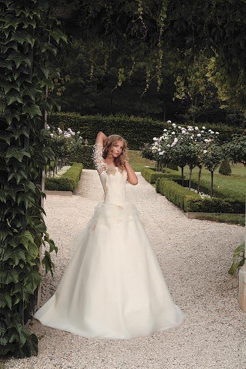 فساتين زفاف جميلة فستاين زفاف hwaml.com_1337396984_347.jpg