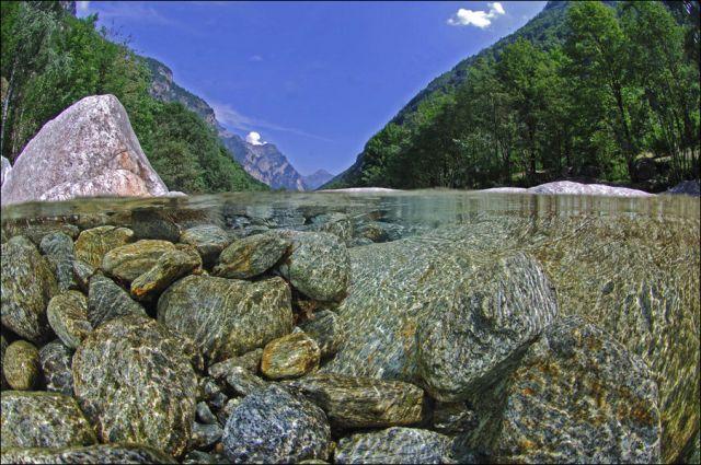 سبحان الله اروع وانقى نهر في العالم شفاف مثل الكريستال hwaml.com_1338048512