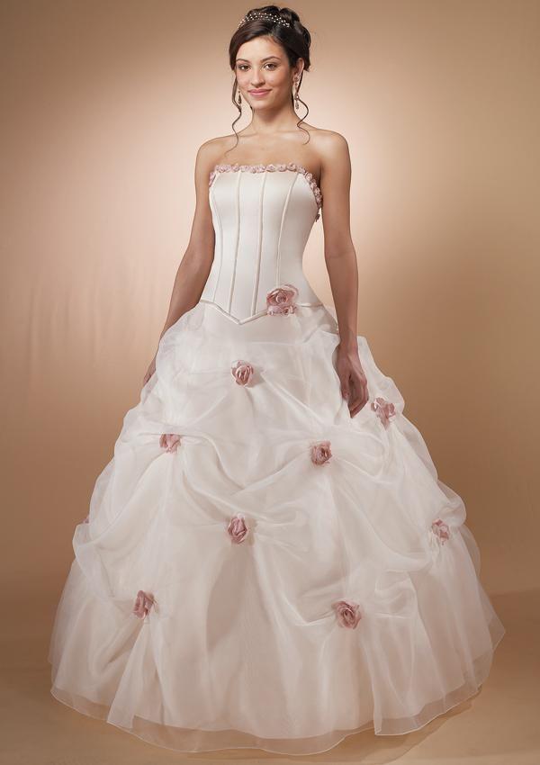 موضة فساتين الزفاف 201 احدث صيحات فساتين الزفاف 2013 صور