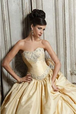 88c0c304230c9 فساتين زفاف ذهبية 2012 ، فساتين ذهبية للزفاف 2013 ، صور فساتين زفاف ذهبية