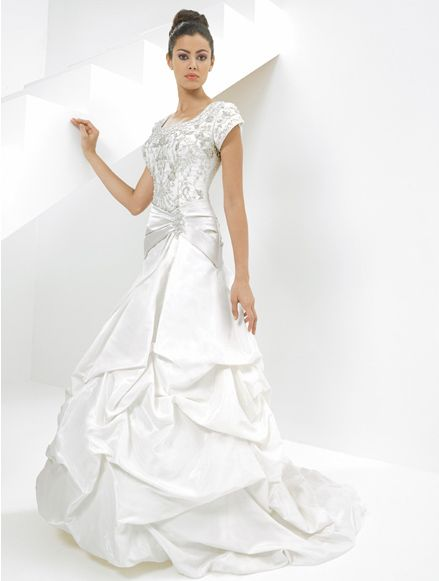 5d5b5e64466d8 فساتين عروسات غاية في الرقة 2012 ، صور فساتين اعراس رهيبة 2013 ، مجموعة فساتين  زفاف. فساتين زفاف خليجية