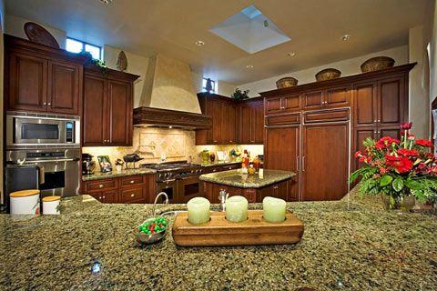 ديكور المطبخ الكلاسيكي لعشاق البساطة والهدوء ومن يحبون أن تكون