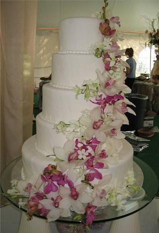 hwaml.com 1339278688 407 كعكات زفاف روعة ذات الشكل الجميل و المذاق اللذيذ