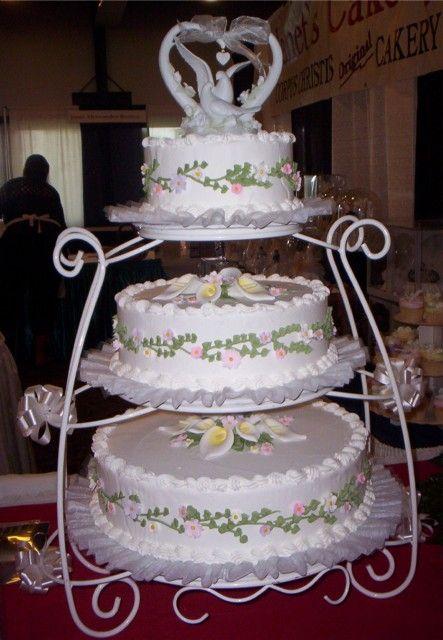 hwaml.com 1339278689 877 كعكات زفاف روعة ذات الشكل الجميل و المذاق اللذيذ