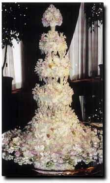 hwaml.com 1339278689 945 كعكات زفاف روعة ذات الشكل الجميل و المذاق اللذيذ