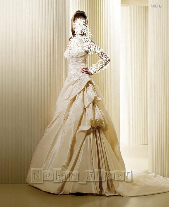 7f8d400d7 فساتين زفاف فرنسية 2012 ، فساتين فرنسية للعروس 2013 ، صور فساتين زفاف فرنسية