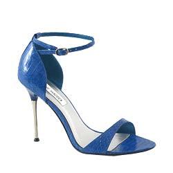 ملابس واكسسوارات باللوان الازرق ملابس hwaml.com_1339832579_765.png
