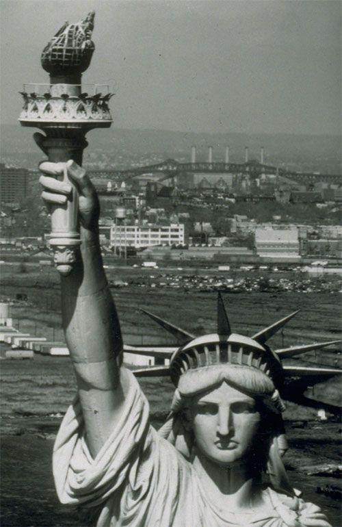 تمثال الحريه الأمريكي الساحر hwaml.com_1339920668