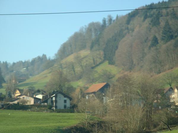 جبلي في سويسرا والصعود الى قمة الجبل