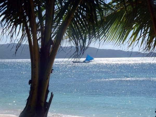 جزيرة بوراكى بالمحيط الهادى hwaml.com_1340256737