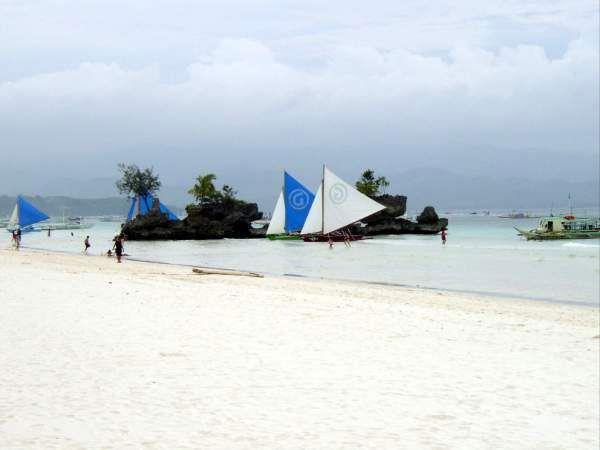 جزيرة بوراكى بالمحيط الهادى hwaml.com_1340256738