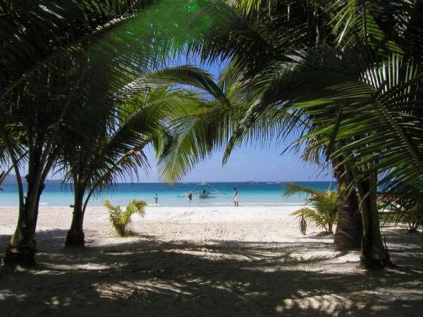 جزيرة بوراكى بالمحيط الهادى hwaml.com_1340256740
