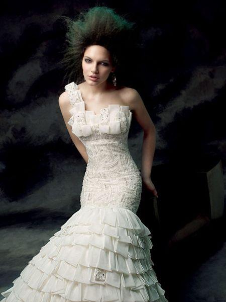 فساتين زفاف كلاسيكية فساتين زفاف
