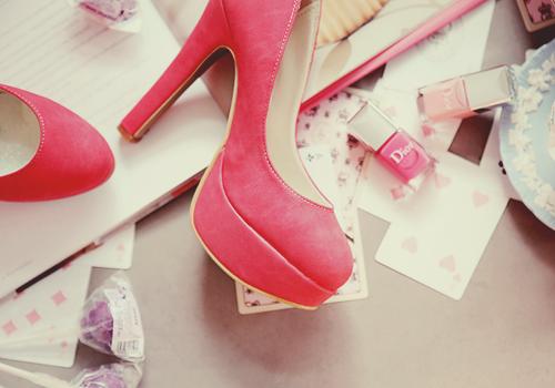 احذية جميلة باللون البينك 2017 hwaml.com_1340443990_142.png