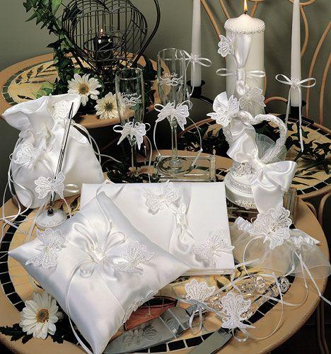 hwaml.com 1341800619 662 افكار لتزيين طاولات حفلات الزفاف بالبالونات مع توتات زفاف روعه