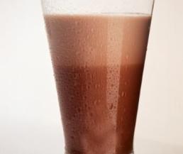 مكونات عمل شراب الحليب ، طريقة عمل شراب الحليب
