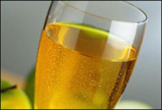 مقادير عمل عصير التفاح بالسفن أب hwaml.com_1343234555_550.jpg