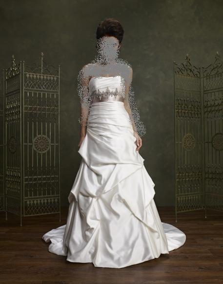 فساتين لاحلى عروس 2012 اجدد فساتين زفاف ايطاليه 2013 اجمل hwaml.com_1343604734