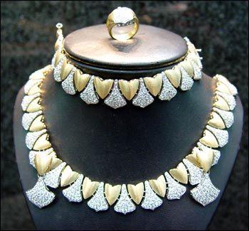 مجوهرات روعة 2012 احلى مجوهرات 2013 اجدد مجوهرات عرائس hwaml.com_1343606413