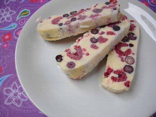 كيفية عمل حلوى عيدان التوت طريقة عمل عيدان التوت وصفة hwaml.com_1343691194