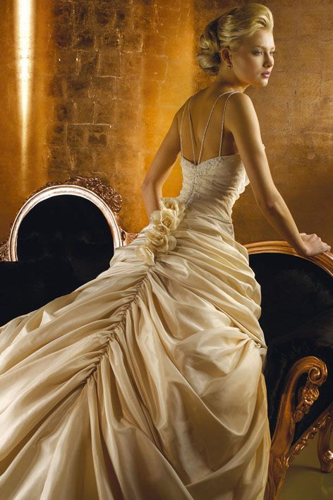 فساتين زفاف فساتبن افراح فساتين