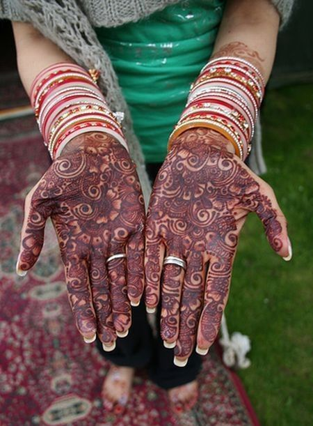 نقوش حناء اماراتي للعروس 2013 hwaml.com_1344082109_287.jpg