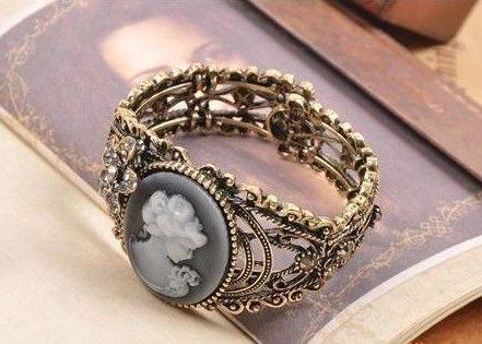 مجوهرات مميزة مجوهرات نسائية مميزة hwaml.com_1344223195