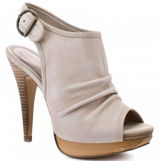 أحذية نسائية 2013 hwaml.com_1344864159