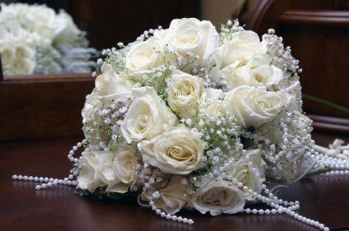 باقة الورد المناسبة لها ولجمالها وفستانها إليكم مجموعة من صور